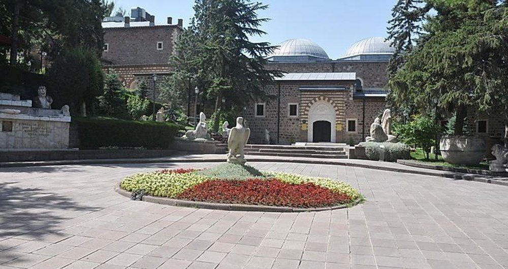 En çok iz bırakan müzeler: Türkiye'de Göbeklitepe ve Anadolu Medeniyetleri, dünyada Louvre Müzesi - 18