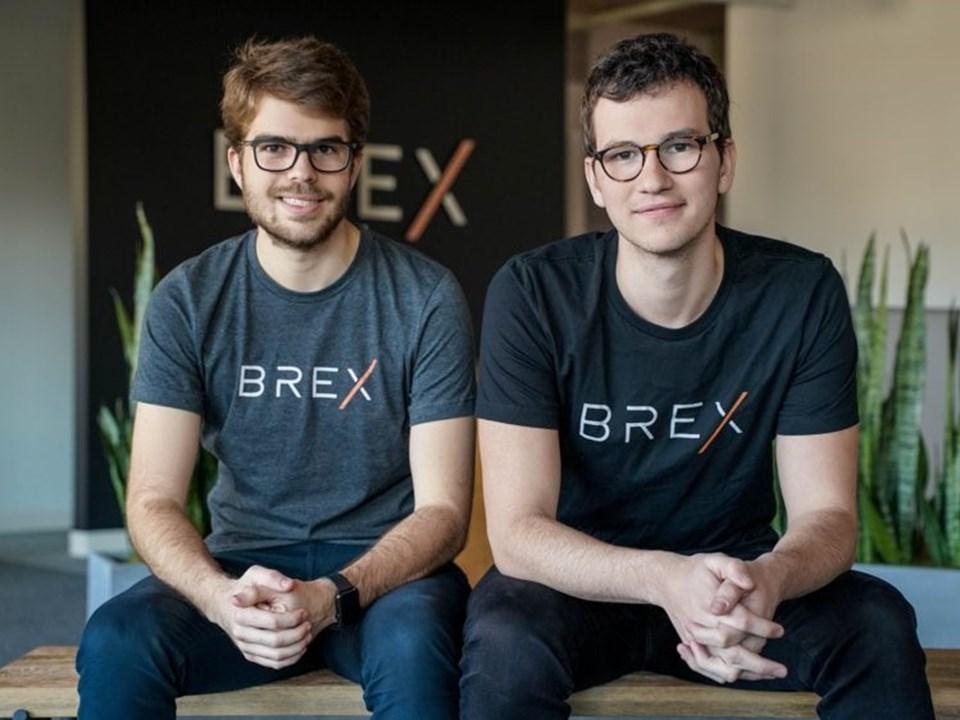 Pedro Franceschi (solda) veHenrique Dubugras'ın 2 yıl önce kurduğu Brex kişisel bir teminat ya da mevduat olmaksızın kurumsal kredi kartlarına erişim imkanı sağlıyor.PayPal'ın kurucularından olan Peter Thiel tarafından da desteklenen Brex, bugün 2 milyar doların üzerinde bir piyasa değerine sahip.