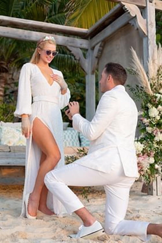 Paris Hilton doğum gününde nişanlandı - 4