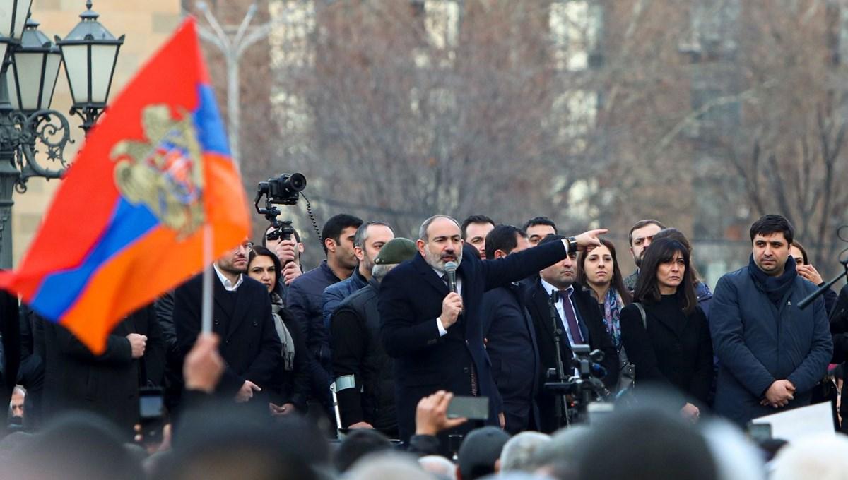 SON DAKİKA:Ermenistan Cumhurbaşkanı'ndan Paşinyan'a ret: Genelkurmay başkanının görevden alınmasını reddetti