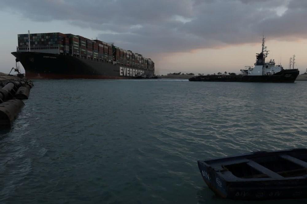 Süveyş Kanalı 6. günde kısmen açıldı: Ever Given gemisi yüzdürüldü - 6