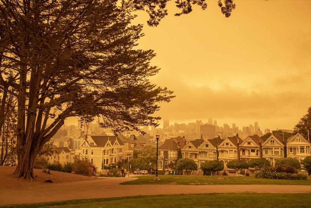 ABD'de yangınlar beş kasabayı yok etti (Gökyüzü turuncu renge boyandı) - 8
