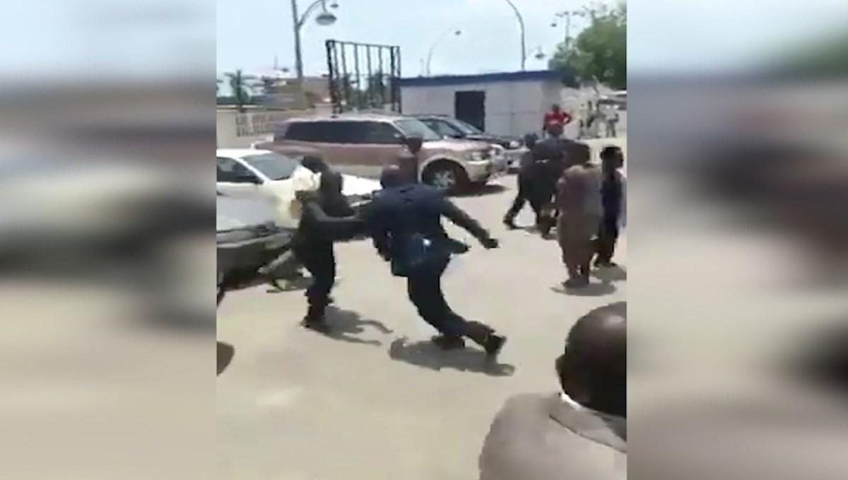 Gine Devlet Başkanı sokak ortasında bakan dövdü