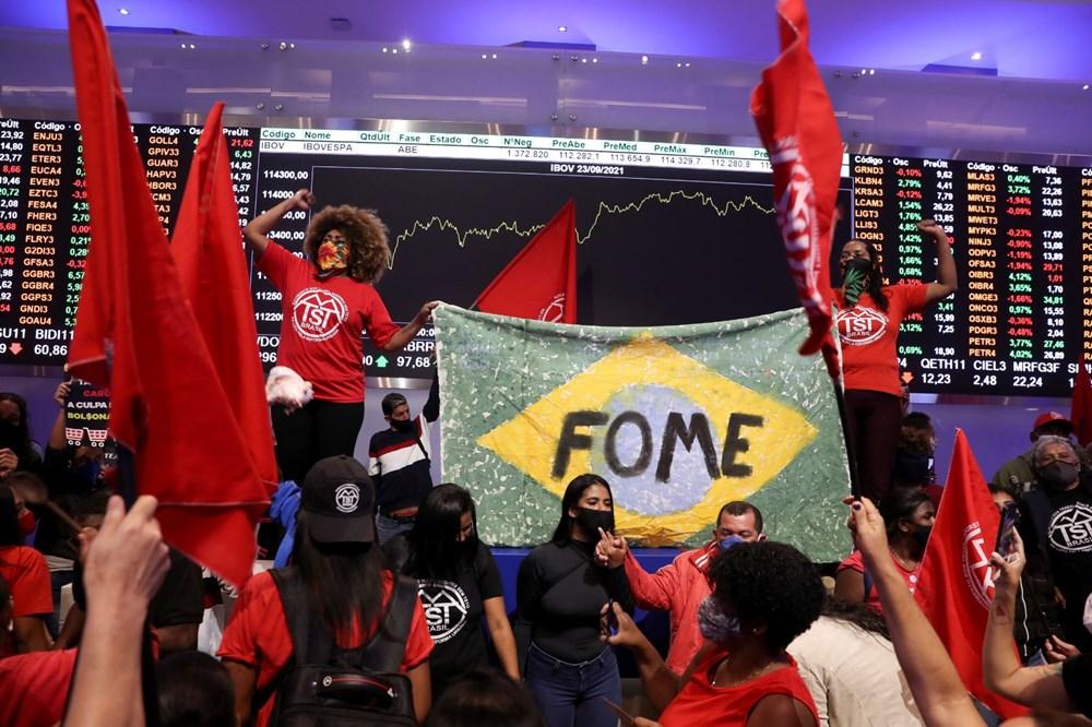 Ekonomik eşitsizliği protesto eden halk Brezilya'da borsa bastı: Yüz milyon kişi açken, milyar dolarlar kazanmanızı kabul etmiyoruz - 2