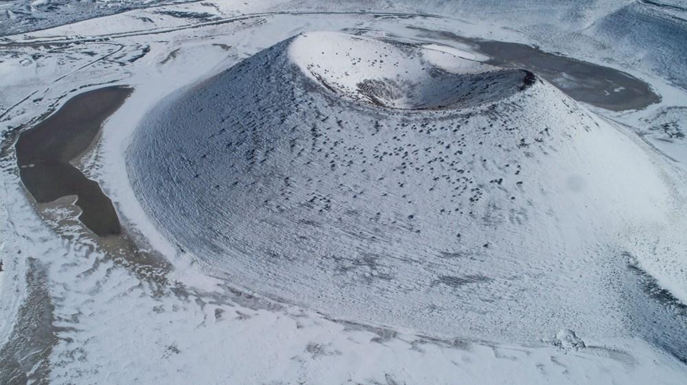 'Evil eye bead of the world' Meke Lake is white - 7