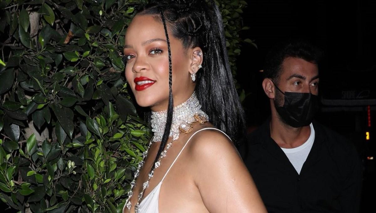 Rihanna ve küçük arkadaşı gezmede