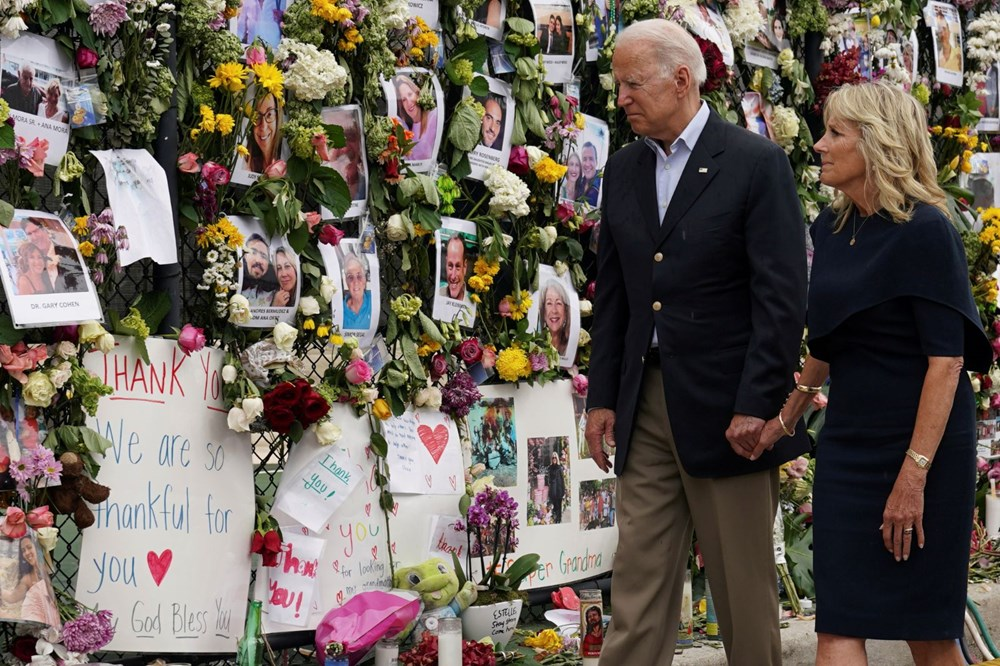 Biden visits: Race against time in collapsed building - 1