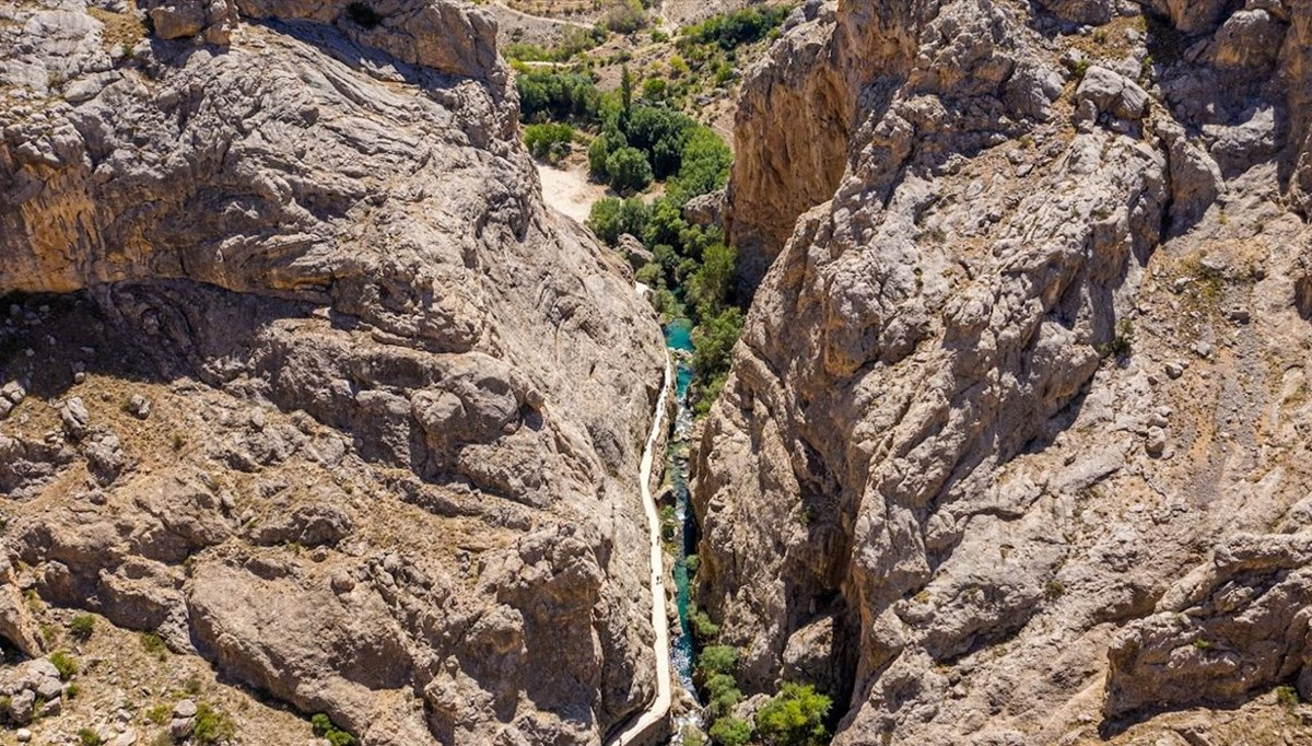 Sivas'ın saklı cenneti Şuğul Kanyonu dört mevsim ziyaretçi ağırlıyor