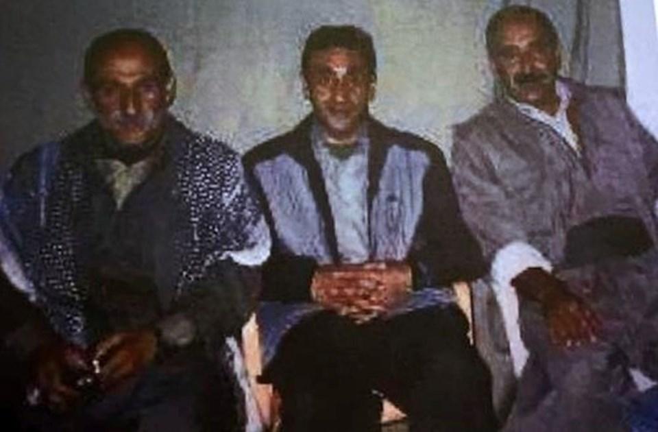 Mikail Özdemir (ortada)