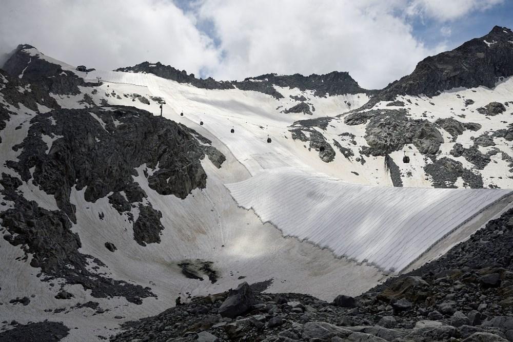 İtalyanlardan Presena buzulunun erimesine karşı muşamba önlemi: Yüzde 70'i korundu - 4