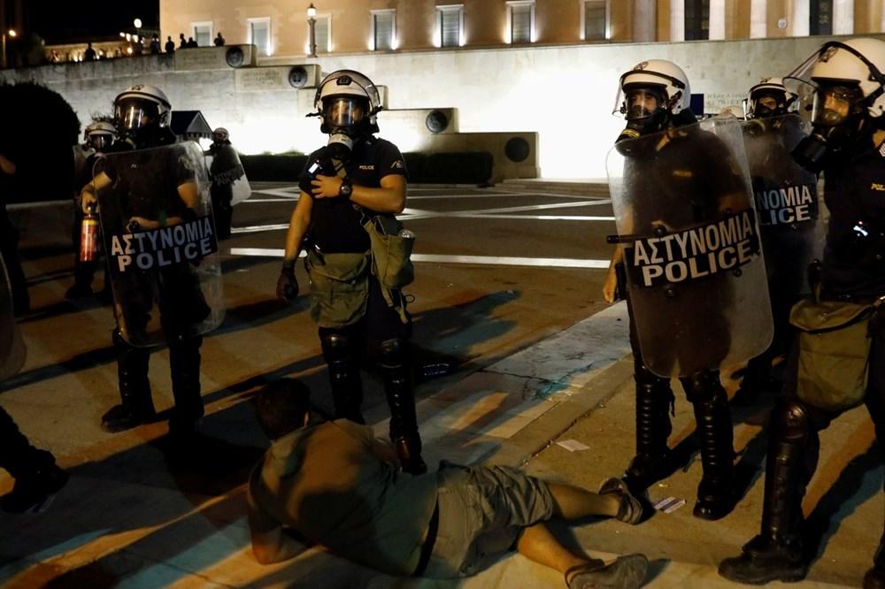 Atina'da aşı zorunluluğuna karşı düzenlenen protesto çatışmaya dönüştü: En az 25 gözaltı - 9