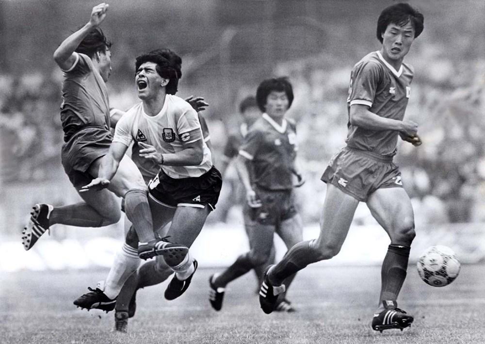 Futbol dünyasından Armando Maradona geçti - 2