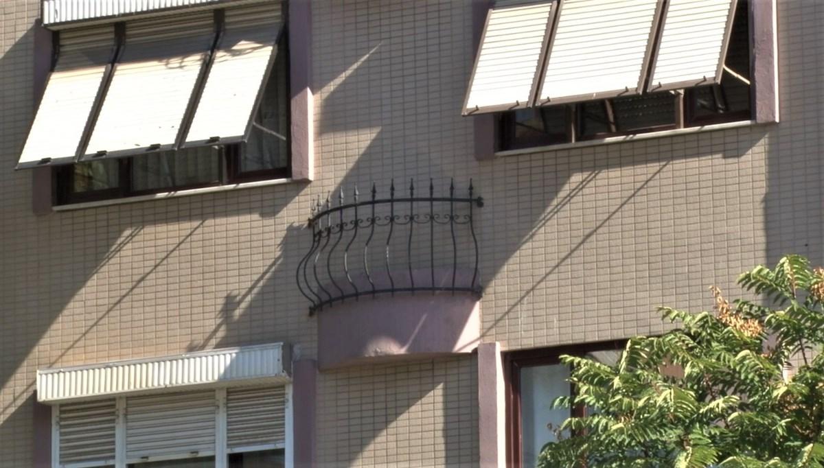 İstanbul'daki ilginç apartman, görenleri şaşırtıyor (Fransız balkon var ama kapısı yok)