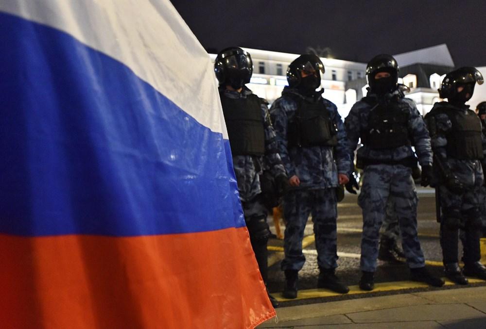 Rusya'da Navalni protestolarında gözaltı sayısı bin 400'ü aştı - 12