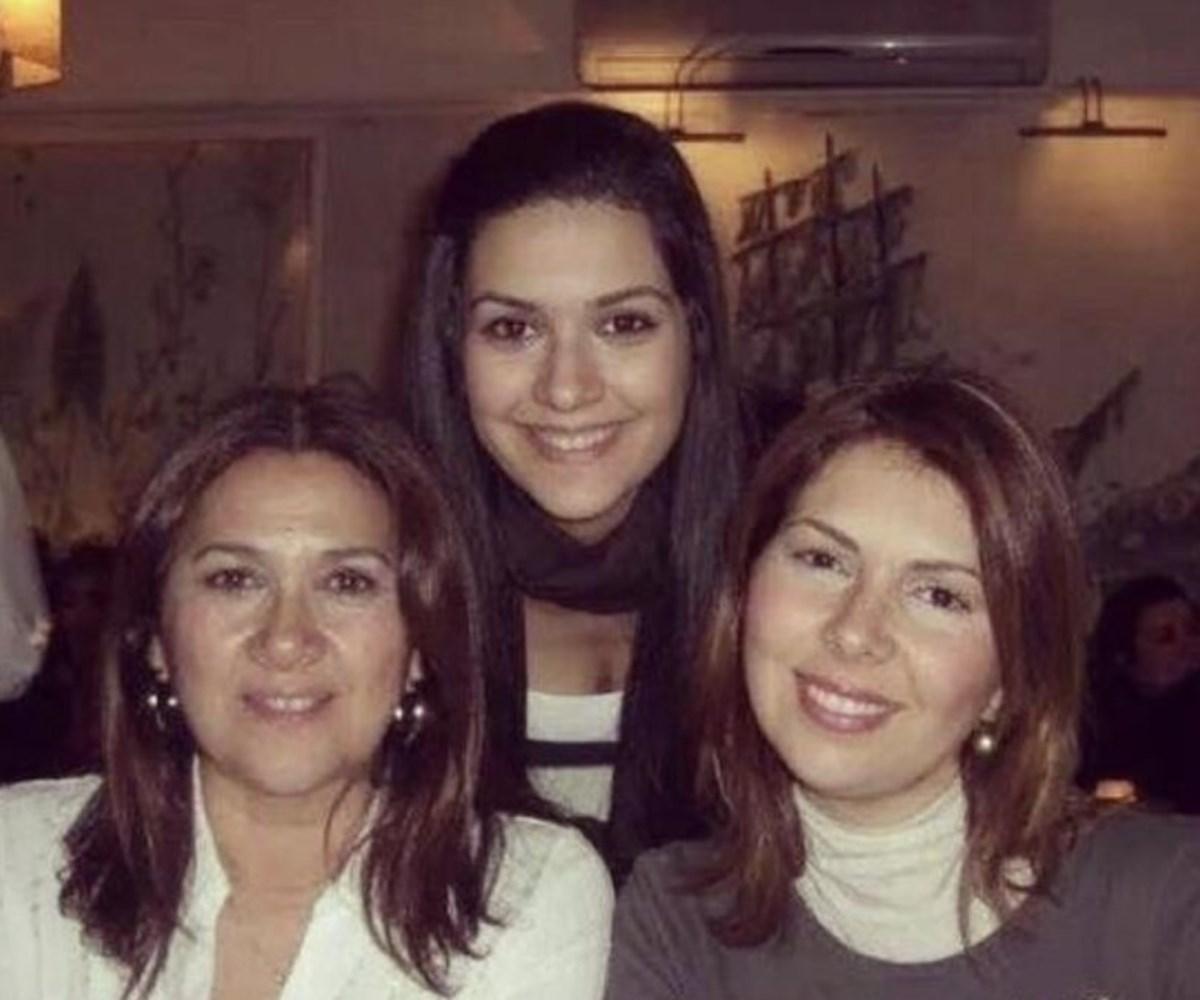 Zeynep Korel, bir süre önce yaptığı açıklamada kardeşi Bergüzar ile annesi Hülya Darcan'la barıştığını söylemişti.