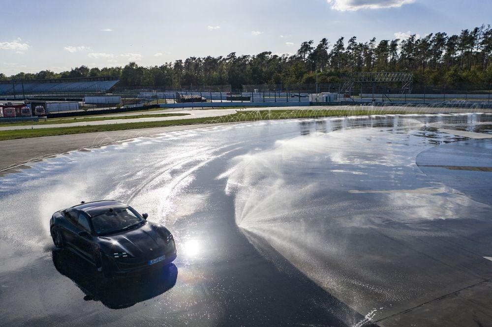 Porsche Taycan, Guinness Rekorlar Kitabı'na girdi - 2