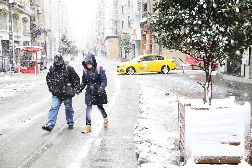 İstanbul'da kar yağışı devam ediyor - 31