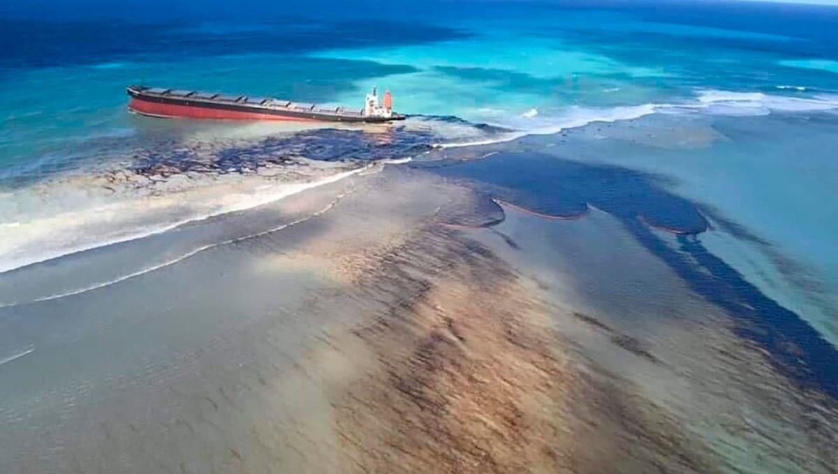 Mauritus'daki petrol sızıntısı sahilleri bu hale getirdi