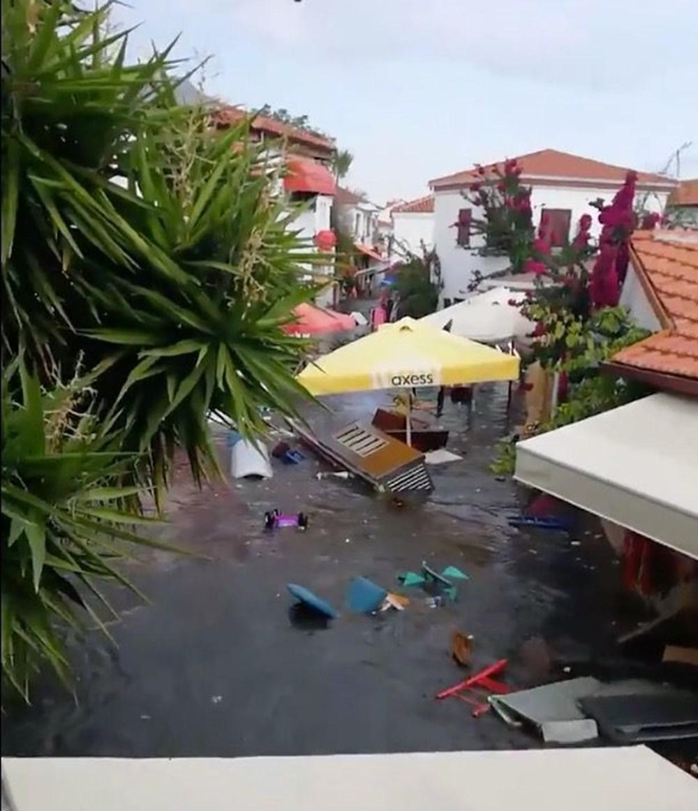 Seferihisar'da tsunami: Sokakları deniz suyu bastı - 2