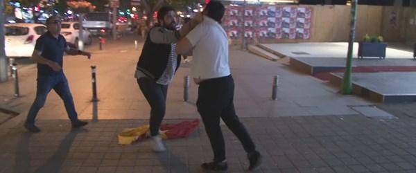 Bağdat Caddesi'nde şampiyonluk turu atan taraftarlara saldırı