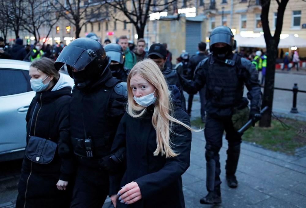 Rusya'da Navalni protestolarında gözaltı sayısı bin 400'ü aştı - 7