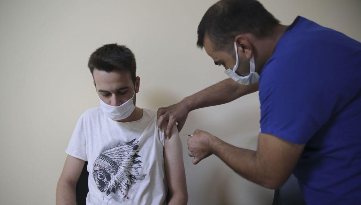 Bakan Koca'dan BioNTech aşısı için çağrı: Randevusuz gelmeyin