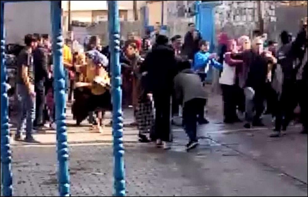 Diyarbakır'da kısıtlama gününde ortalık savaş alanına döndü: 20 yaralı - 3