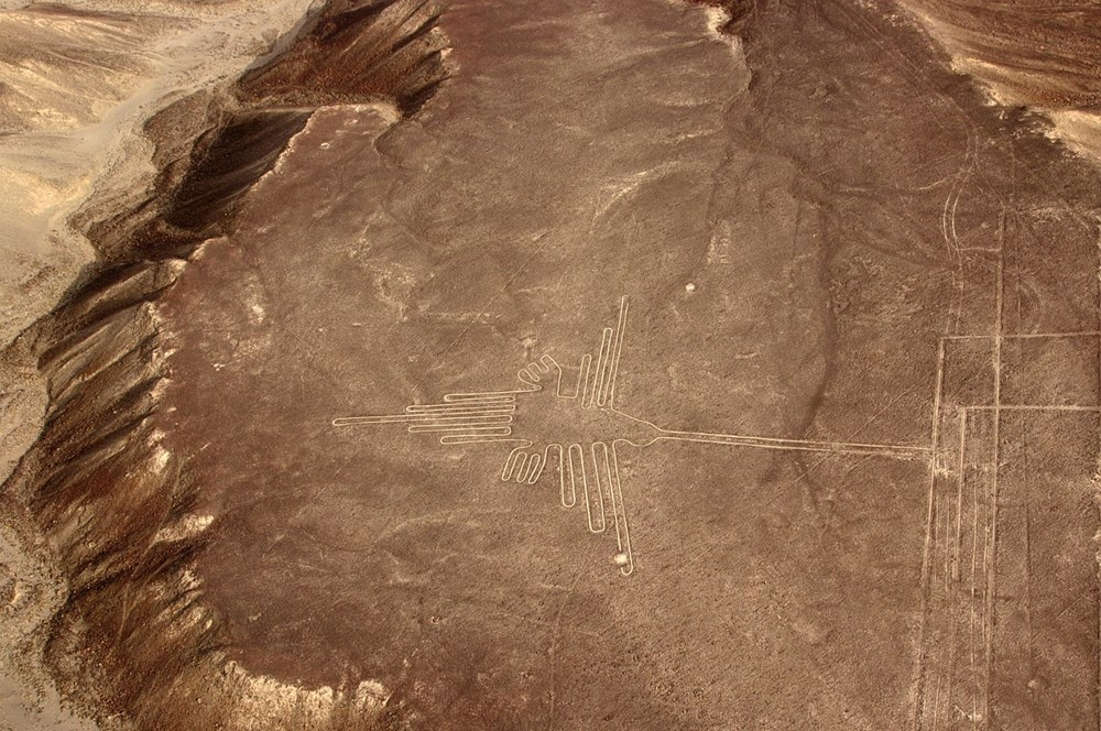 Peru'da arkeologlar bir yamaca çizilmiş 2 bin yıllık kedi figürü keşfetti - 3