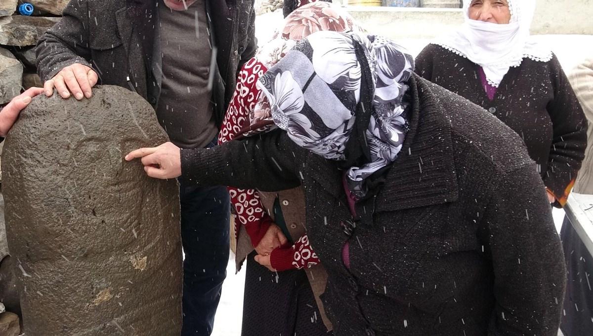 Erzurum'da bir taşbaba heykeli daha bulundu