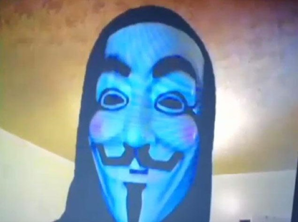 Anonymous, Çarşamba günü videoyu internete sızdırdı ve konu hakkındaaçıklama yaptı.