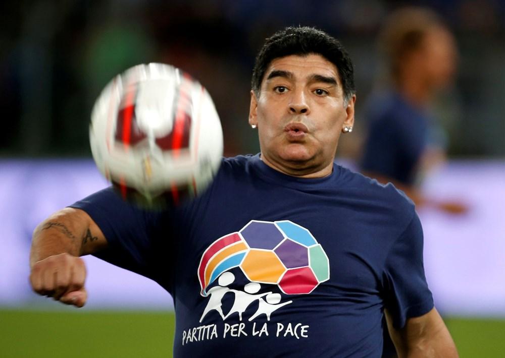 Futbol dünyasından Armando Maradona geçti - 6