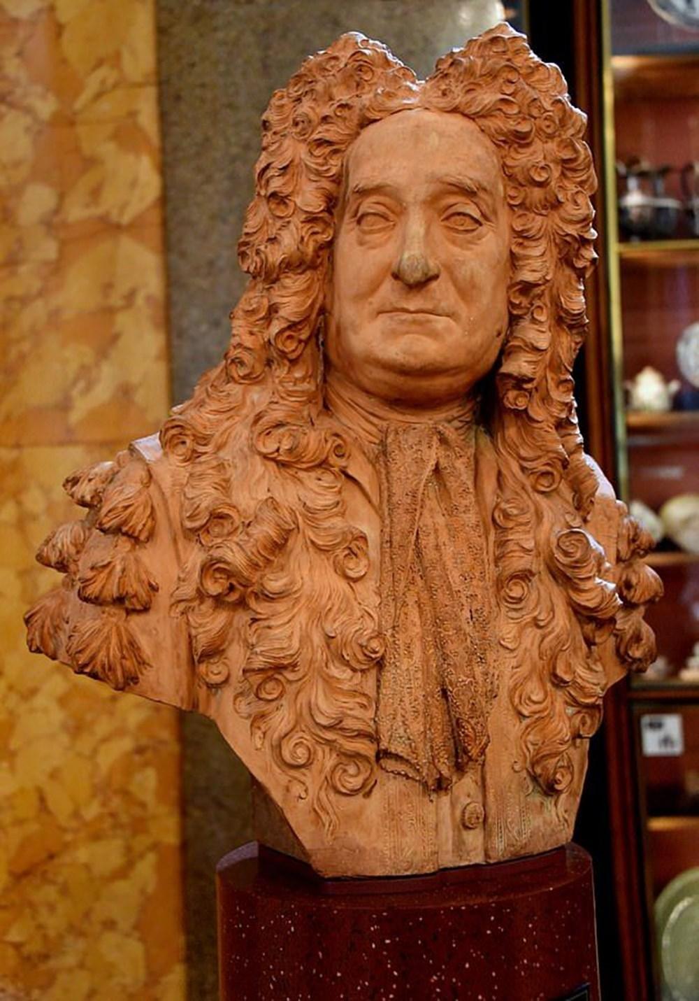 British Museum köleci kimliği nedeniyle Sir Hans Sloane büstünü sergiden çıkardı - 2