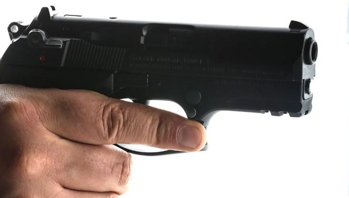 Eskişehir'de polise ateş: Mermi cebindeki telefona isabet etti