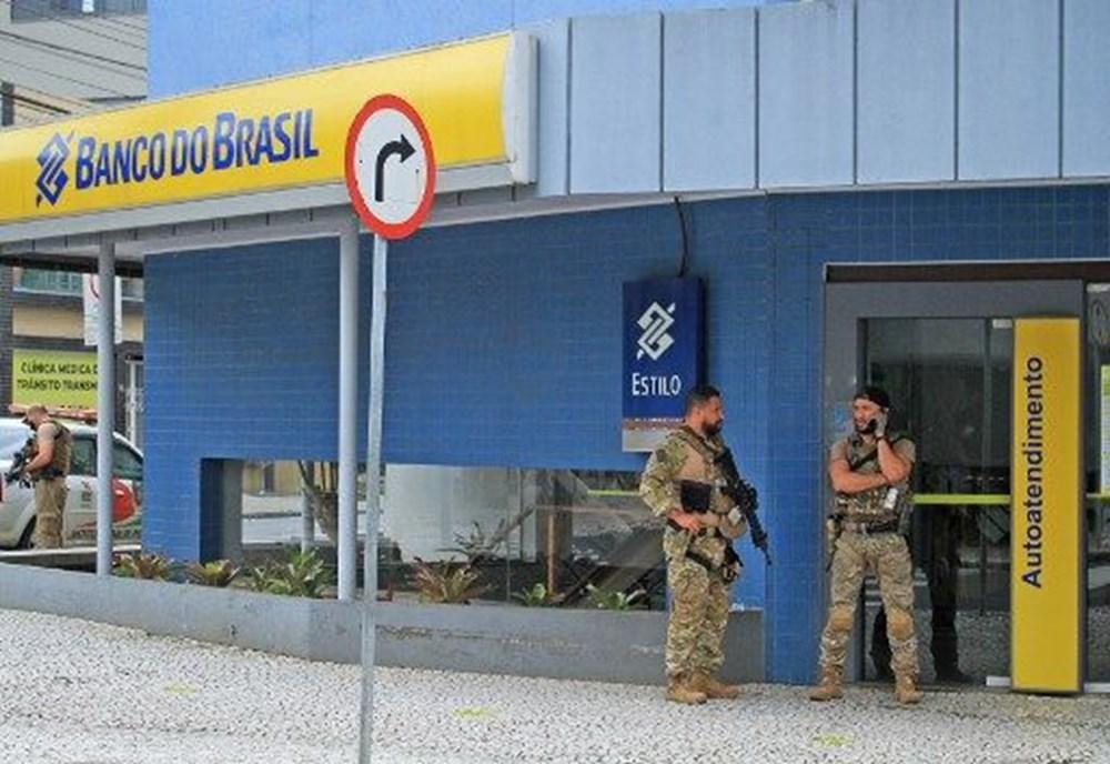 Brezilya'da savaş gibi banka soygunu: 30 kişi geldiler - 3