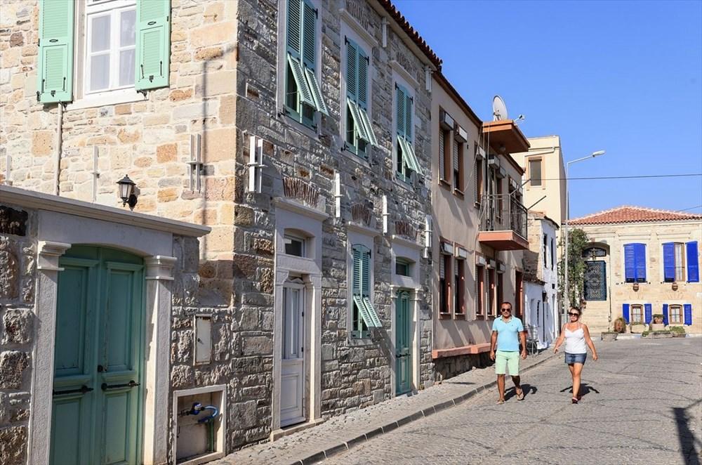 Foça'nın asırlık taş evleri yıllara meydan okuyor - 4