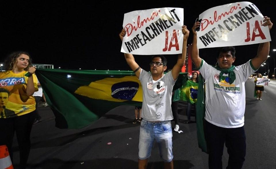 Brezilya'da Devlet Başkanı Dilma Rousseff'in yargılanması için sokak gösterileri yapılıyor.