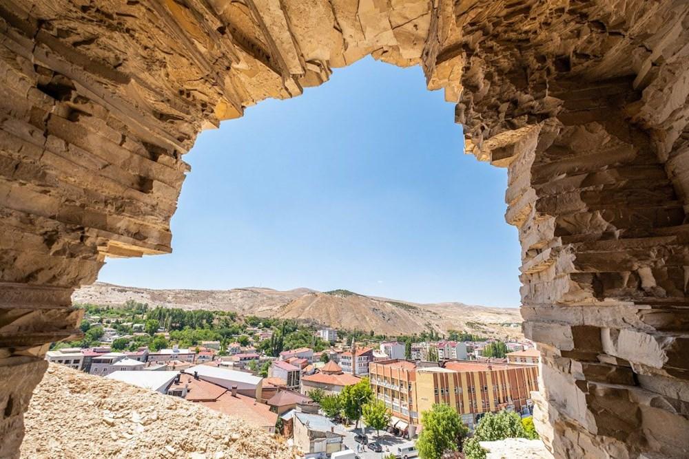 Sivas'ın 4 bin yıllık Hititler dönemi 'apartman mağaraları' ilgi çekiyor - 6