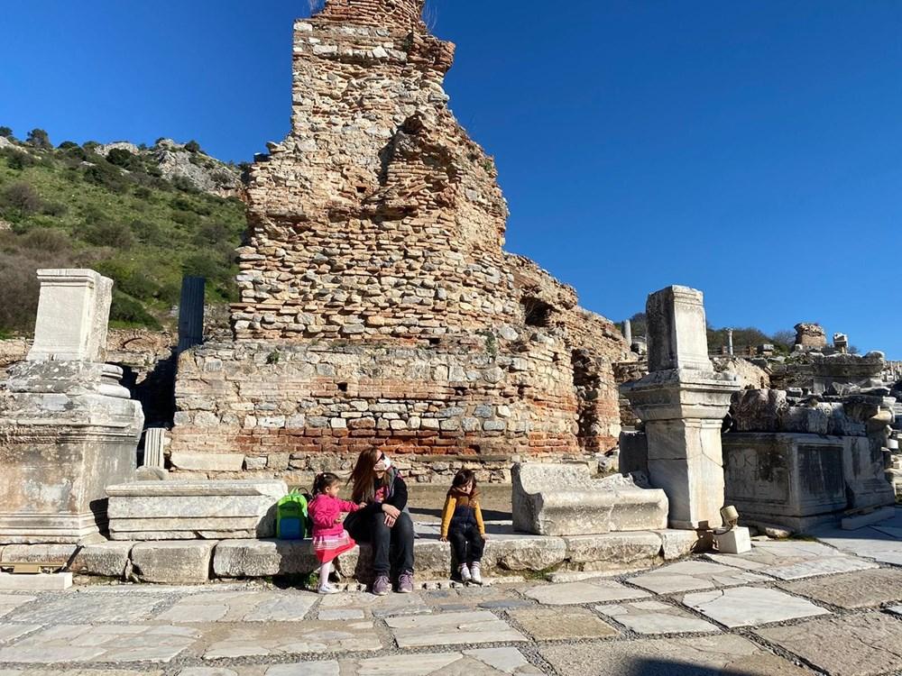 Efes Antik Kenti, pandemi döneminde de güvenli turizmin adresi oldu - 23