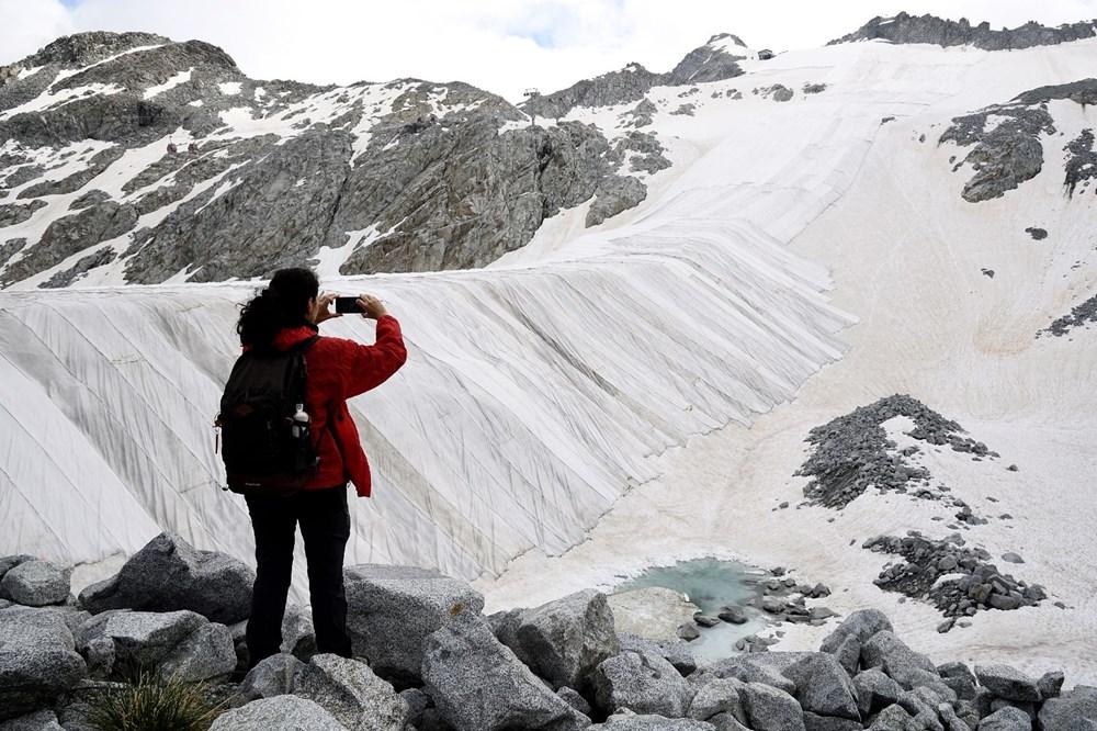 İtalyanlardan Presena buzulunun erimesine karşı muşamba önlemi: Yüzde 70'i korundu - 3