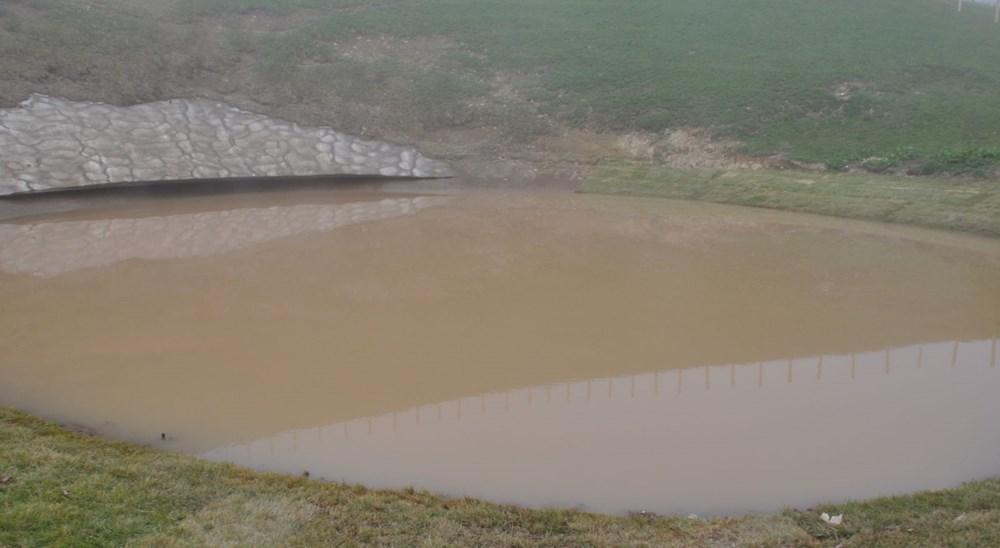 Balçıkla kaplanan Dipsiz Göl, tel örgüyle çevrildi - 4