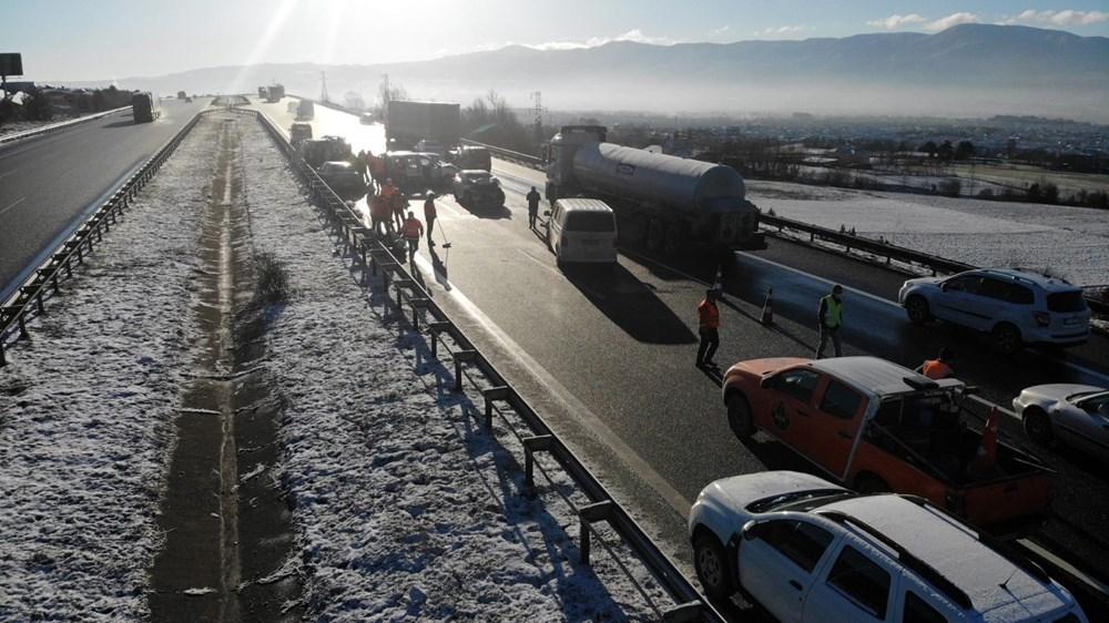 TEM'de buzlanma kazası: 9 araç birbirine girdi - 6