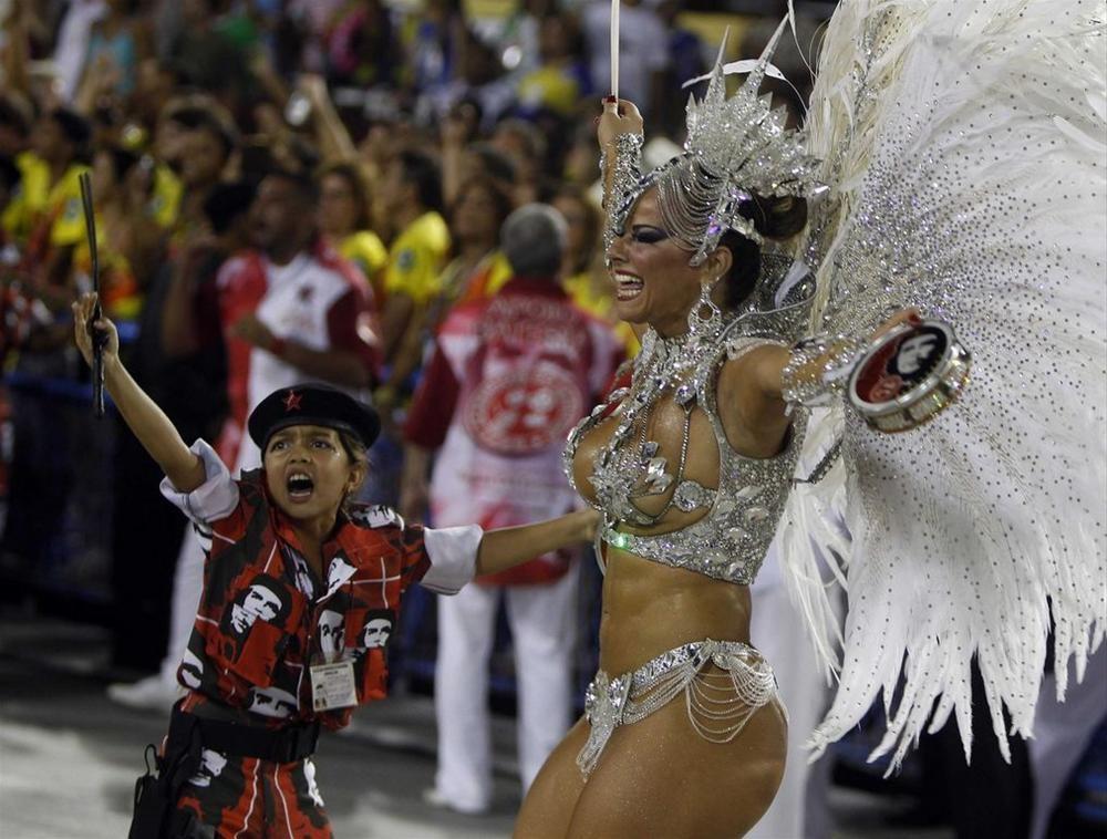 презерватив карнавал в рио фото самых колоритных участниц которого может