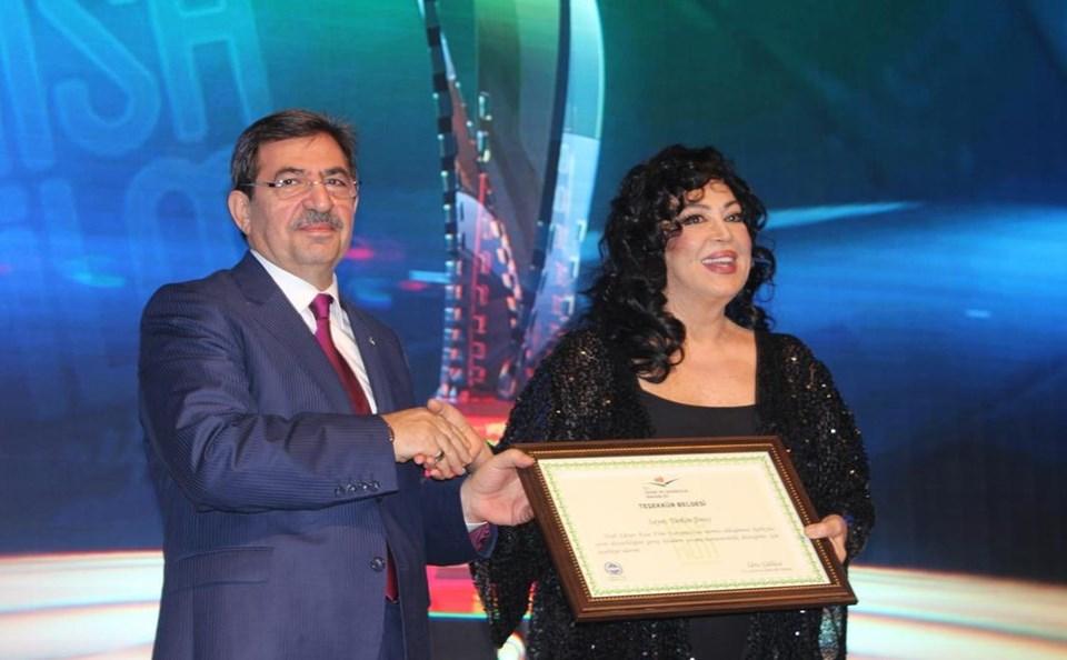 Çevre ve Şehircilik Bakanı İdris Güllüce ile Türkan Şoray