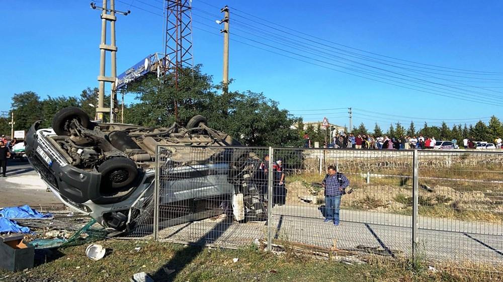 Tekirdağ'ın Ergene ilçesinde yük treni minibüse çarptı: 6 ölü - 5