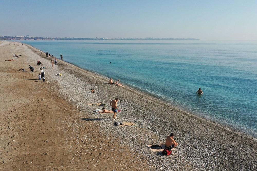 Antalya'da sahiller turistlere kaldı - 5