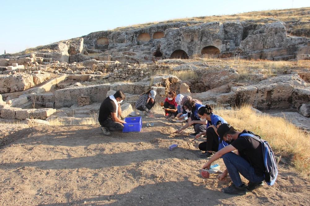 Adıyaman'daki Perre Antik Kent'teki kazılarda 9 adet üzüm işliği bulundu - 5