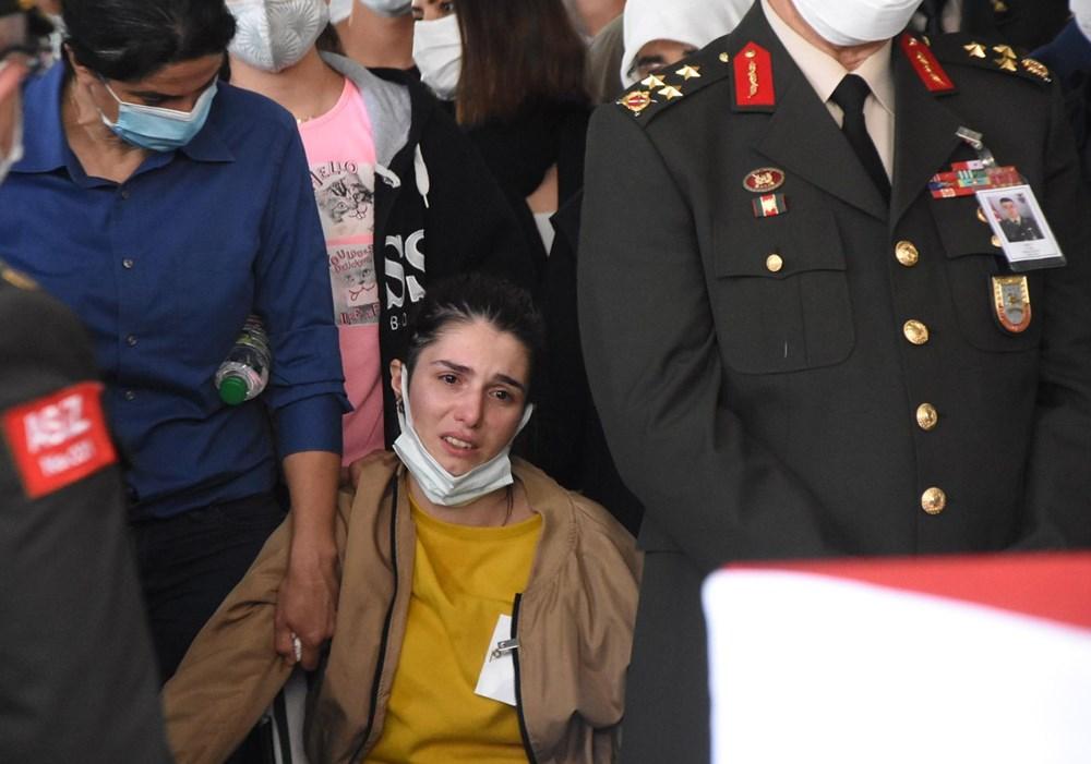 Şehit Teğmen Mehmet Kıvık, son yolculuğuna uğurlandı - 9