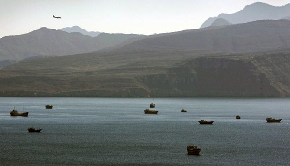 ABD, insansız hava araçları, savaş uçakları ve savaş gemileriyle Hürmüz Boğazı'nı ablukaya almış durumda.