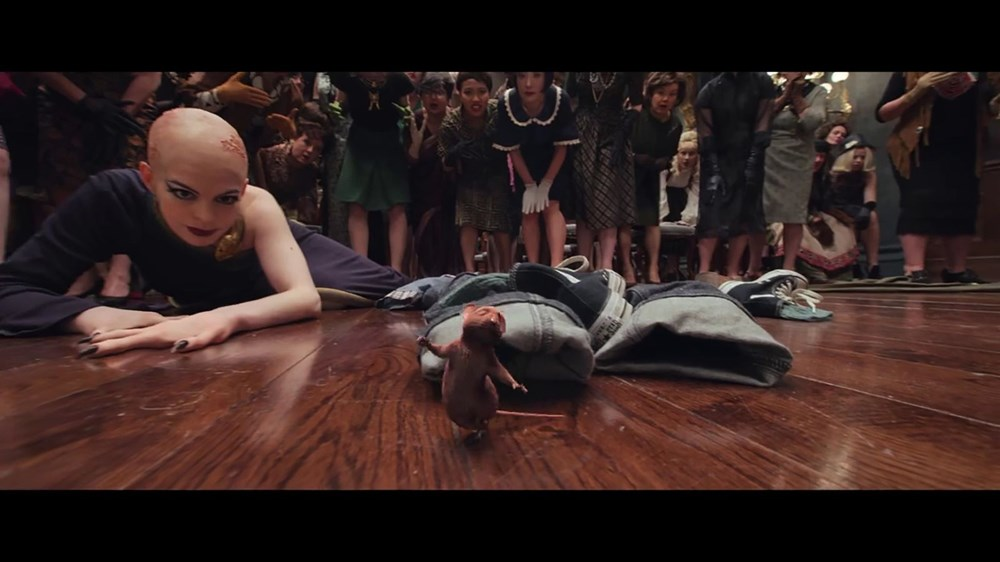 Anne Hathaway The Witches'ın kamera arkası görüntülerini paylaştı - 8