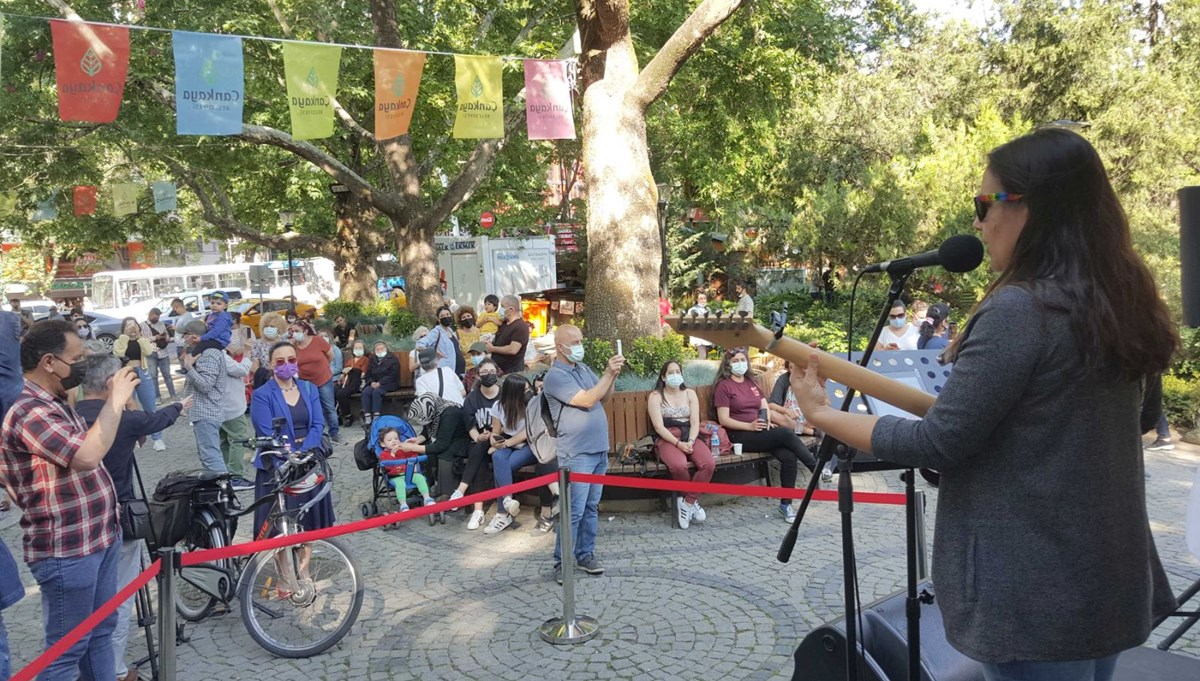 Ankara'da parklarda sanatçılara destek konserleri